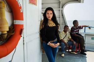 woman-beauty-atlas-mihaela-noroc-206880jpg-728x728