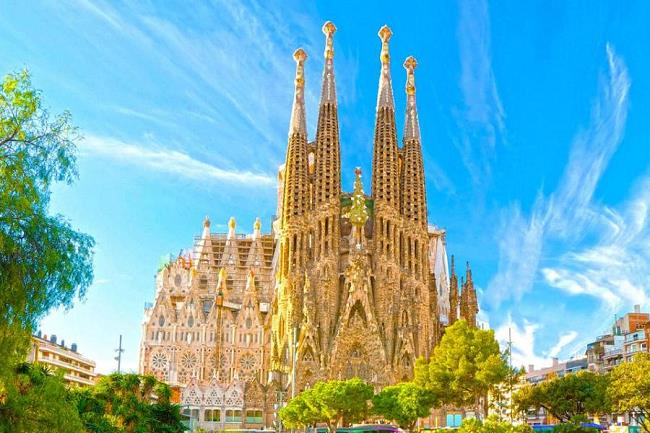 barcelona-mimari-yapilar-sanat-eserleri