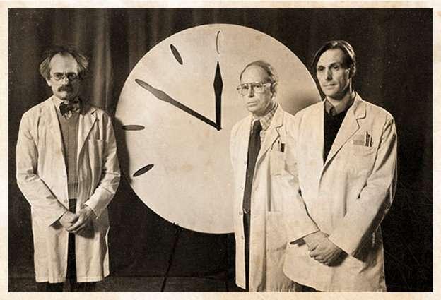 kiyamet-saatini-belirleyen-bilim-adamlari