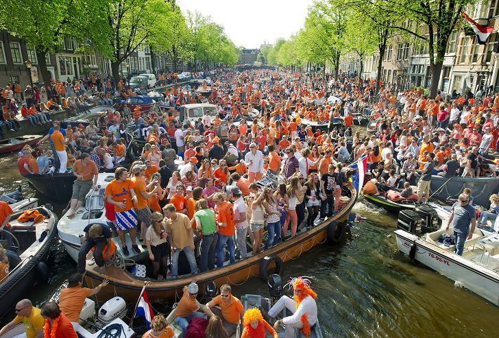 queensday-festivali-hollanda