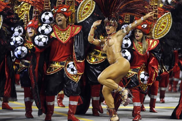rio-festivali-dansci-kadin
