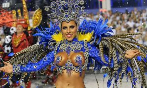 rio-karnavali-festivali-dansci-kadin