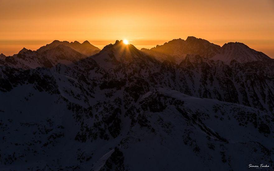 Aşklarını-Dağlarda-Yaşayan-Çiftin-Özendiren-Yaşamı-13