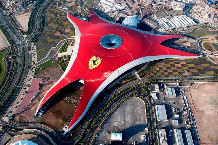 Dünya-da-Görülmeye-Değer-Mimari-Yapılar (12)
