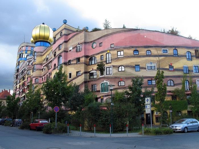 Dünya-da-Görülmeye-Değer-Mimari-Yapılar (13)