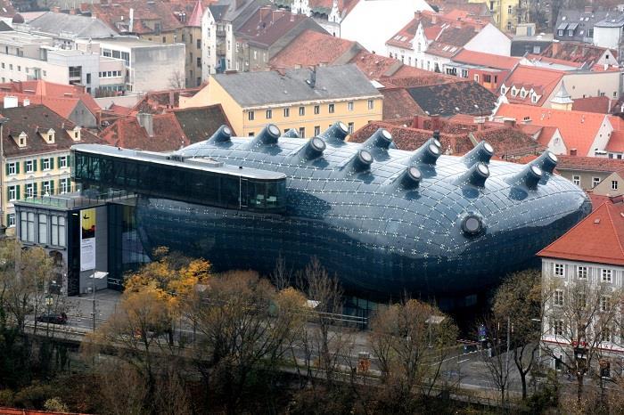 Dünya-da-Görülmeye-Değer-Mimari-Yapılar (15)