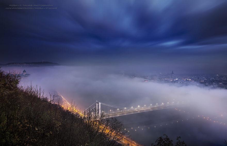 En-Güzel-Açıyı-Yakalamak-İçin-Hayatını-Riske-Atan-Fotoğrafçı-Tamas-Rizsavi-11