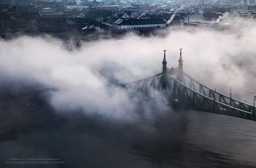 En-Güzel-Açıyı-Yakalamak-İçin-Hayatını-Riske-Atan-Fotoğrafçı-Tamas-Rizsavi-13