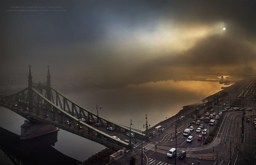 En-Güzel-Açıyı-Yakalamak-İçin-Hayatını-Riske-Atan-Fotoğrafçı-Tamas-Rizsavi-14