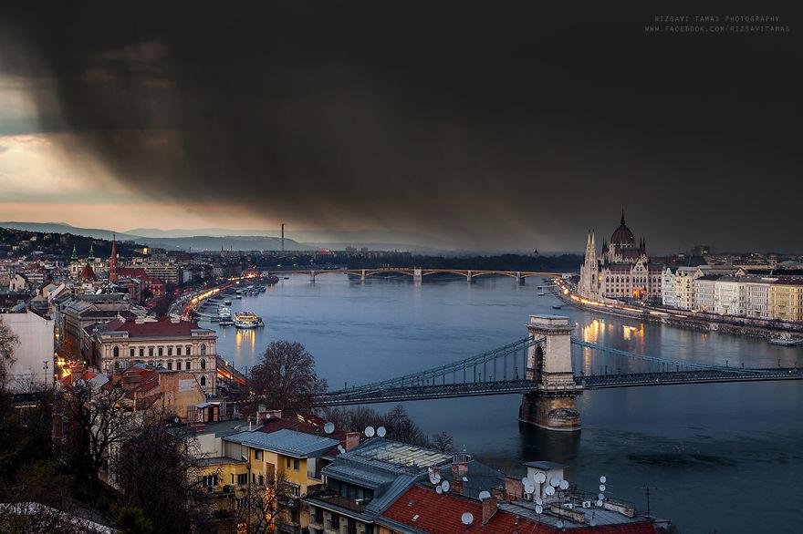 En-Güzel-Açıyı-Yakalamak-İçin-Hayatını-Riske-Atan-Fotoğrafçı-Tamas-Rizsavi-19