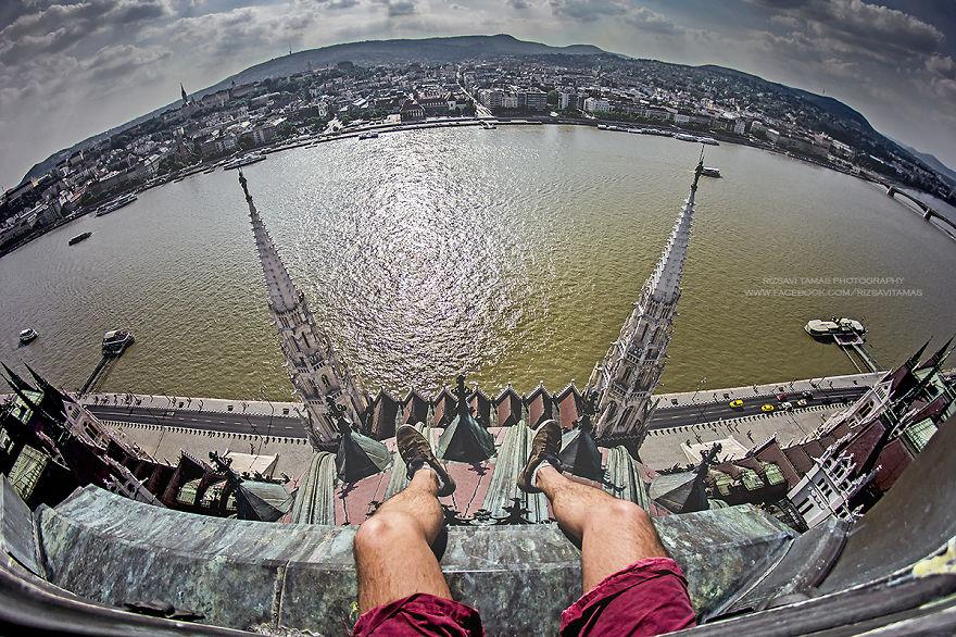 En-Güzel-Açıyı-Yakalamak-İçin-Hayatını-Riske-Atan-Fotoğrafçı-Tamas-Rizsavi-2