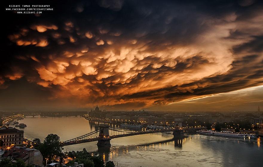 En-Güzel-Açıyı-Yakalamak-İçin-Hayatını-Riske-Atan-Fotoğrafçı-Tamas-Rizsavi-25