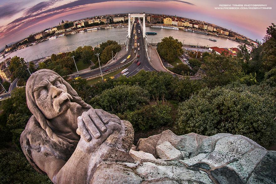 En-Güzel-Açıyı-Yakalamak-İçin-Hayatını-Riske-Atan-Fotoğrafçı-Tamas-Rizsavi-7
