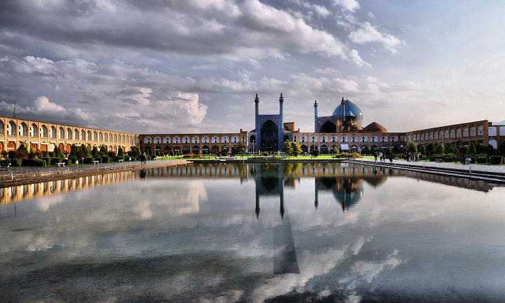 Imam-Mosque-in-Isfahan-Iran-Seyh-Lutfullah-Camii