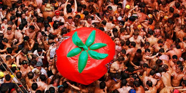 La-Tomatina-Spains-Tomato-Festival-Pictures