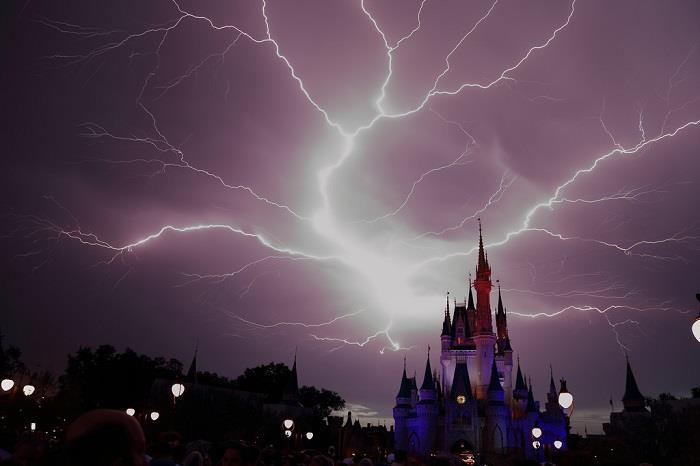 Magic-Kingdom (2)