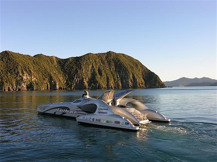 earthrace_boat_in_sea