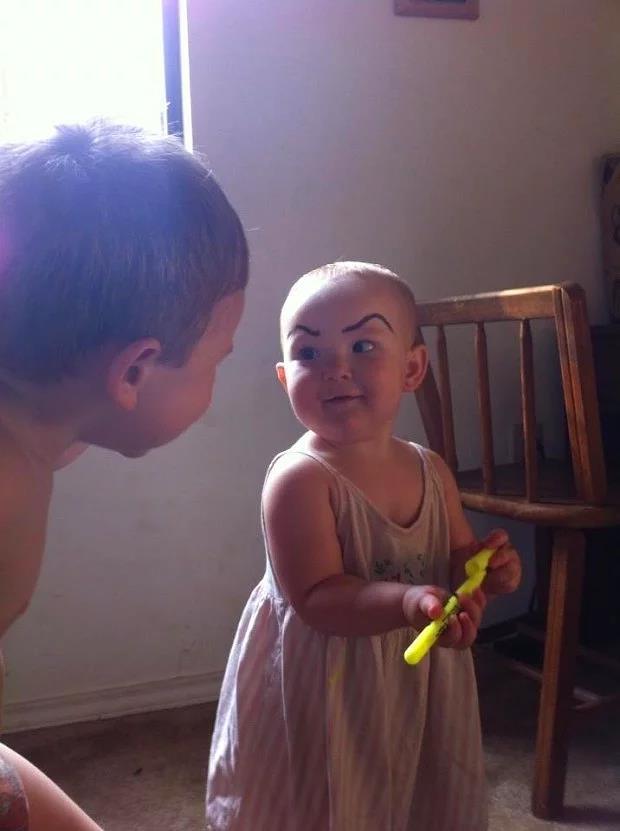 kaşları-boyalı-bebek