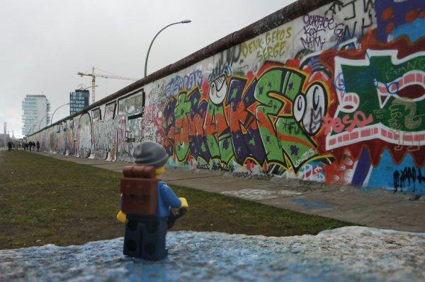 lego-backpacker-15