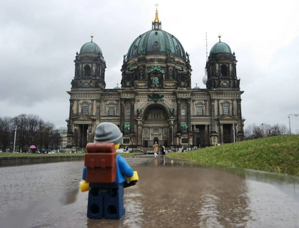 lego-backpacker-26