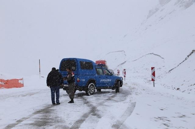 ovit-dağına-haziranda-kar-yağdı
