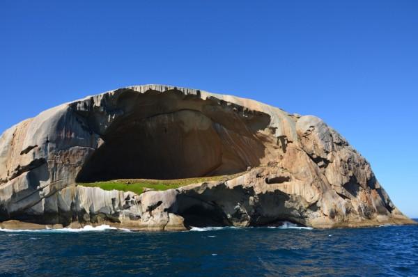 Cleft-Adası
