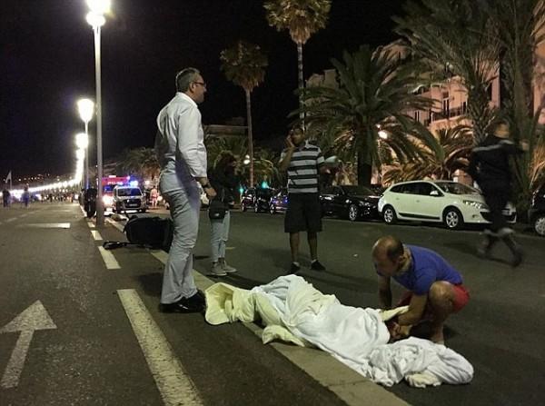 Fransa-Nice-Kamyon-Terör-Saldırısı-Haberler (15)