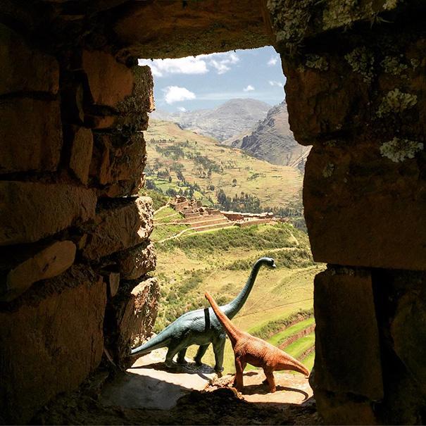 Gezi-Fotoğrafçılık-Oyuncaklar-Dinozorlar-Jorge-Saenz (6)