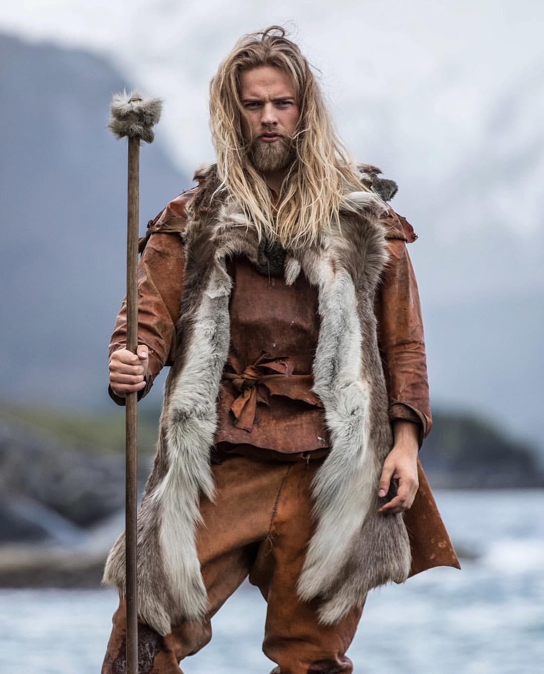 Norveçli-Yakışıklı-Deniz-Subayı-Lasse-Lokken-Matberg-17