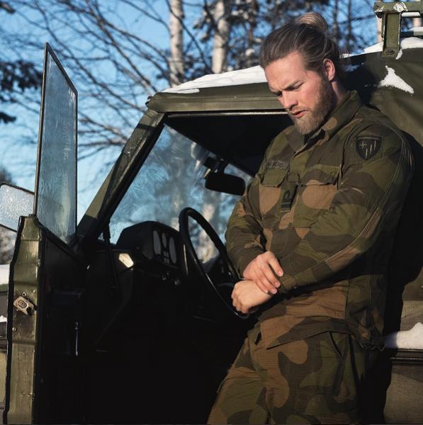 Norveçli-Yakışıklı-Deniz-Subayı-Lasse-Lokken-Matberg-3