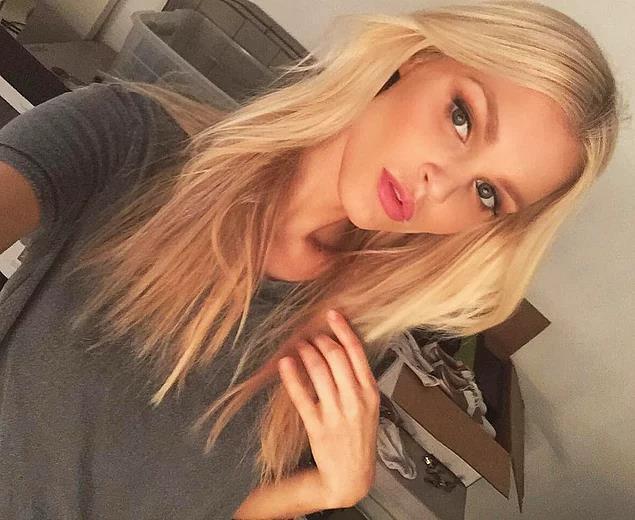 joy_corrigan_selfie