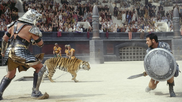 russell-crowe-gladiator-movie-tiger-combat-3911x2197