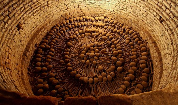 paris-yeralti-mezarliklari-11
