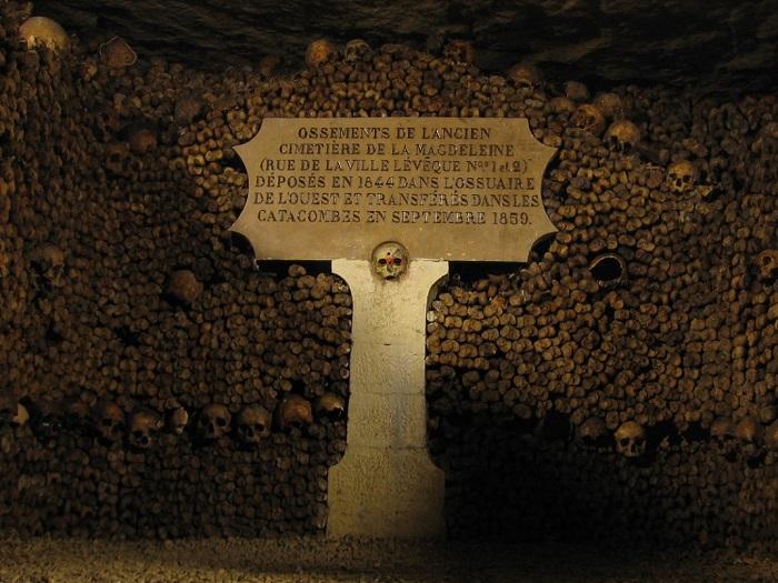 paris-yeralti-mezarliklari-3