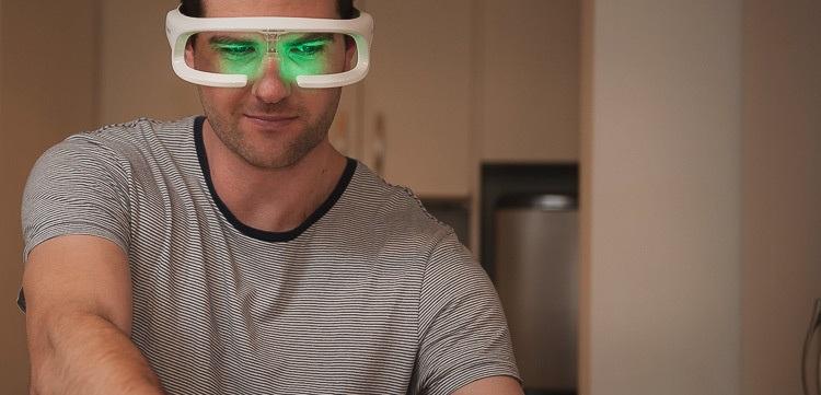 Jet Lag sorununa çözüm getiren gözlük re-timer