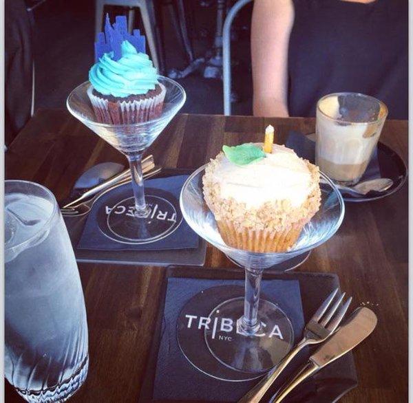 martini bardağında cupcake sunumu